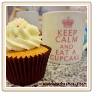 KEEP CALM AND EAR A CUPCAKES