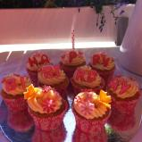 https://madelainedreamcake.com/2013/06/20/birthday-cupcakes/