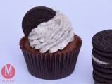 https://madelainedreamcake.com/2016/01/15/oreo-cupcakes/