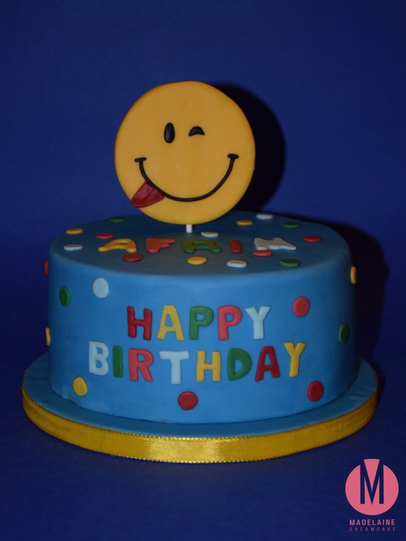 https://madelainedreamcake.com/2016/03/18/smiley-torte/
