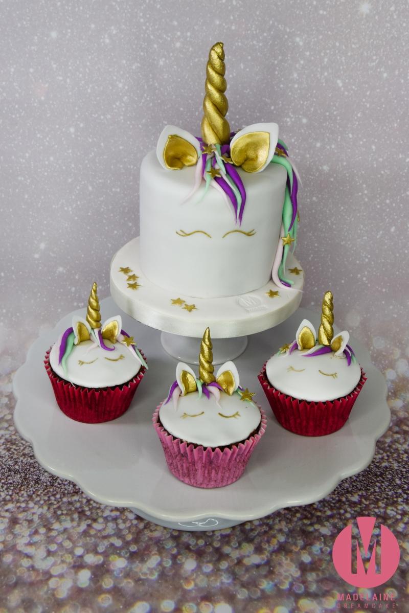 Einhorn Torte mit Cupcakes